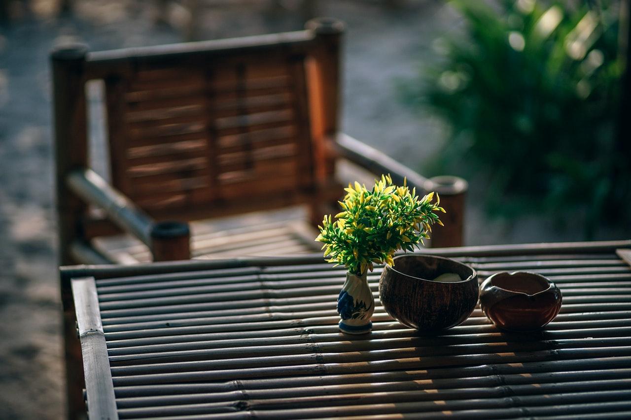Puutarhapöydät